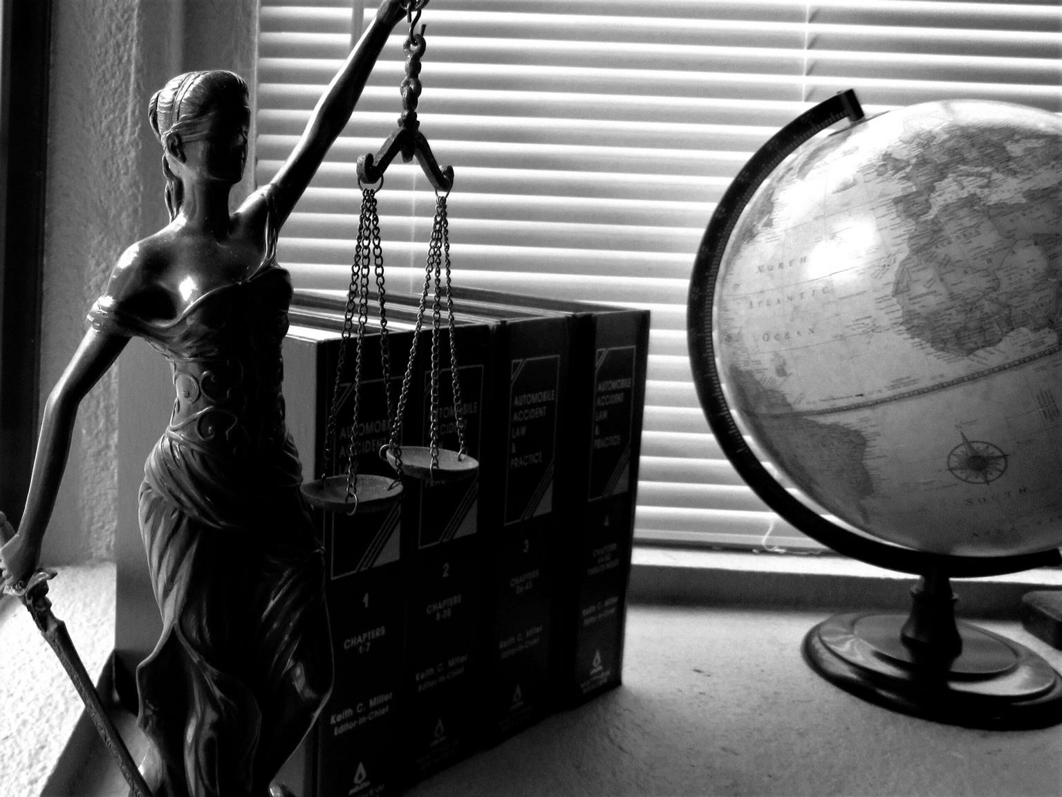 lady-justice-2388500